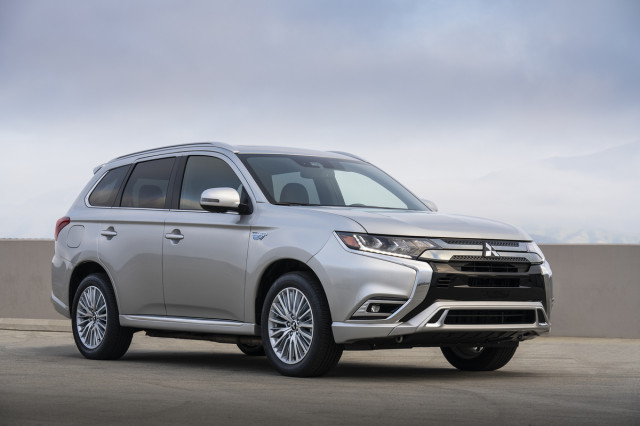 2014-2019 Mitsubishi Outlander crossovers recalled for seat belt issue