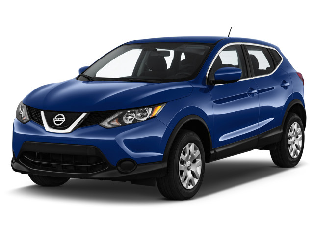 2019 Nissan Rogue Sport FWD S Angular Front Exterior View