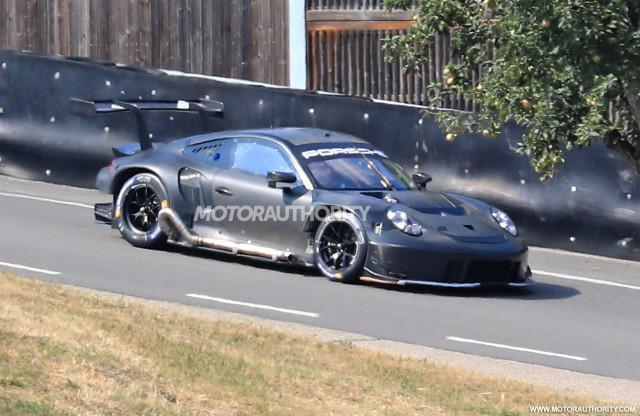 2019 Porsche 911 RSR race car spy shots - Image via S. Baldauf/SB-Medien