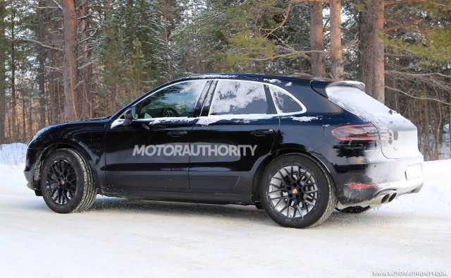 2019 porsche macan spy shots and video. Black Bedroom Furniture Sets. Home Design Ideas