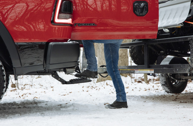 2019 Ram 1500 with Multifunction Tailgate