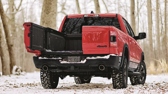 Tailgate wars: Comparing GMC's MultiPro and Ram's Multifunction tailgates