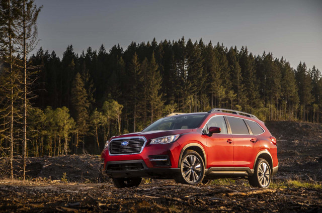 2019 Subaru Ascent vs. 2019 Honda Pilot: Compare Cars