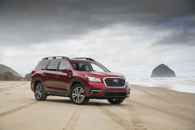 2019 subaru ascent vs 2019 hyundai santa fe compare cars