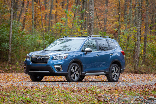 2019 Subaru Forester vs  2019 Subaru Ascent: Compare Cars
