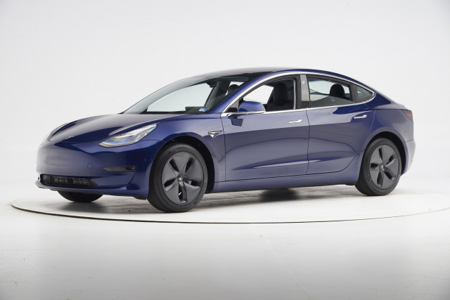 2019 Tesla Model 3 - IIHS side impact crash test