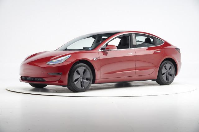 2019 Tesla Model 3 - IIHS small overlap frontal crash test