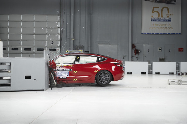 2019 Tesla Model 3  -  IIHS small overlap frontal crash test