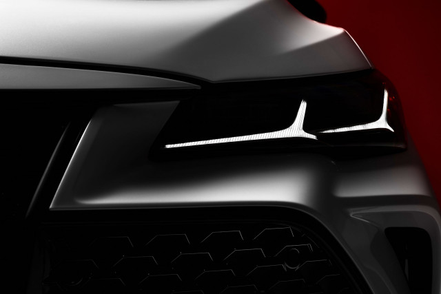 Confirmed: 2019 Toyota Avalon–and its headlight–at ...