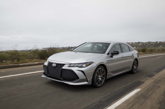 Toyota and Honda recall millions, Vanderall Edison 2 review, Prius's limited future? What's New @ The Car Connection