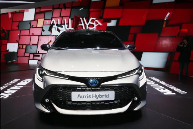 2019 Toyota Corolla Hybrid Hatchback Debuts In Geneva For Europe