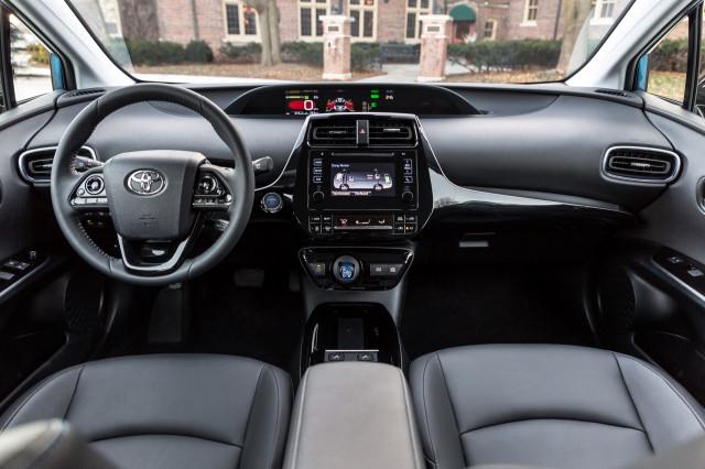 2019 Toyota Prius AWD-e XLE