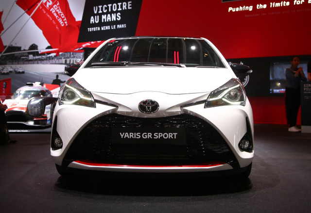 toyota yaris gr sport revealed at 2018 paris auto show. Black Bedroom Furniture Sets. Home Design Ideas