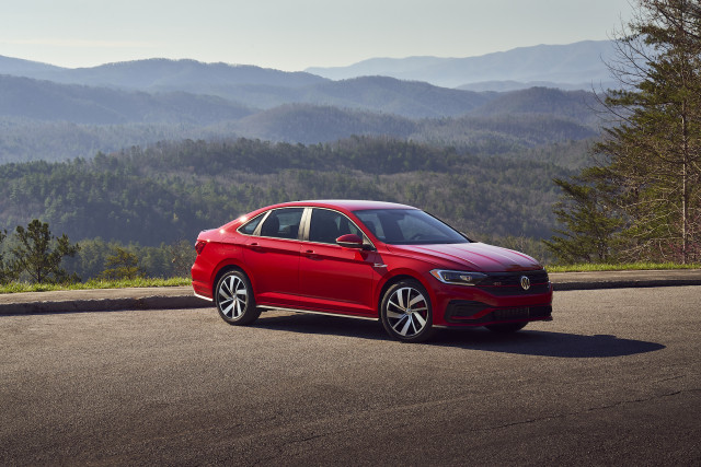 2019 VW Jetta crash test, Spring car cleaning, Ford Explorer Hybrid: What's New @ The Car Connection