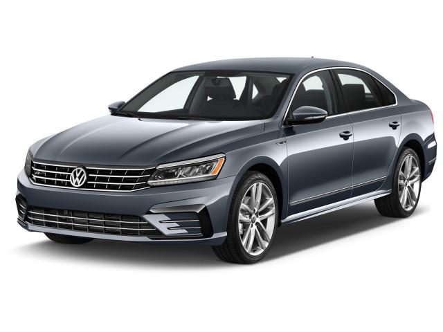 2019 Volkswagen Passat 2.0T SE R-Line Auto Angular Front Exterior View