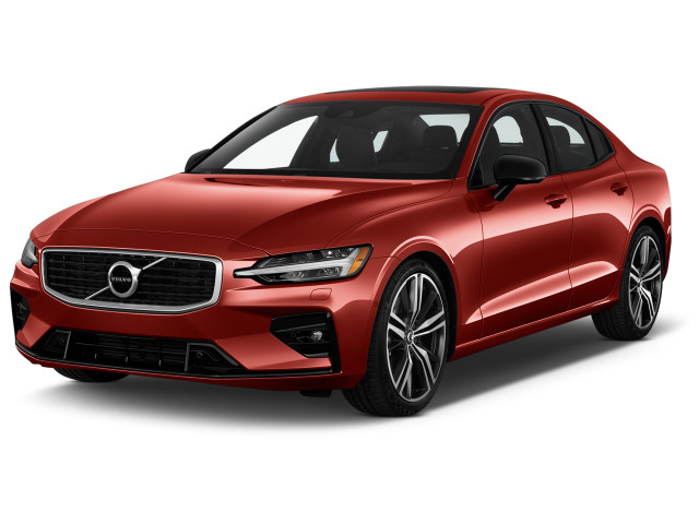 2019 Volvo S60 T6 AWD R-Design Angular Front Exterior View