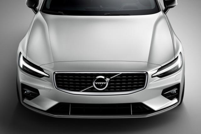 Volvo V60 wagon sharpened with R-Design and R-Design Pro upgrades
