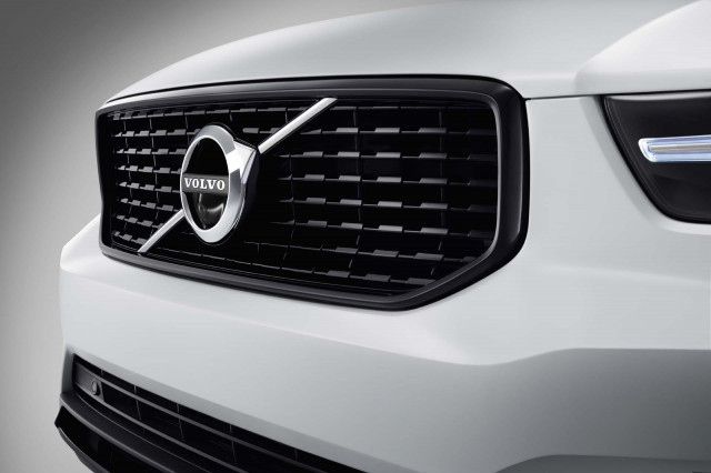 Could Volvo get its engines from Daimler?
