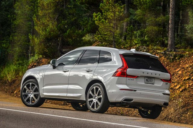 Volvo XC60 crossover SUV recalled over faulty tailgate arms