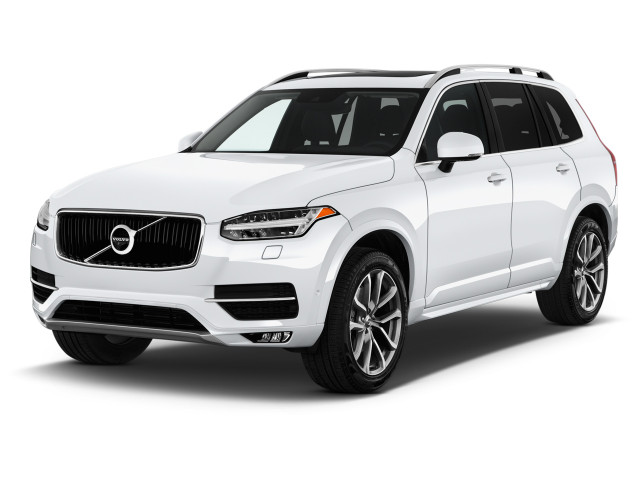 2019 Volvo XC90 T5 AWD Momentum Angular Front Exterior View