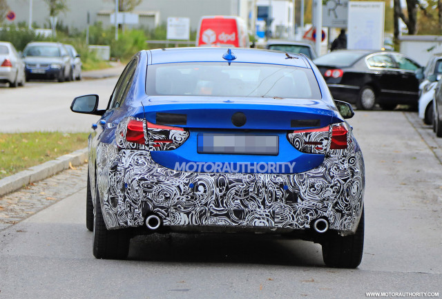 2016 - [BMW] Série 1 Sedan [F52] - Page 9 2020-bmw-1-series-facelift-spy-shots--image-via-s-baldauf-sb-medien_100678060_m