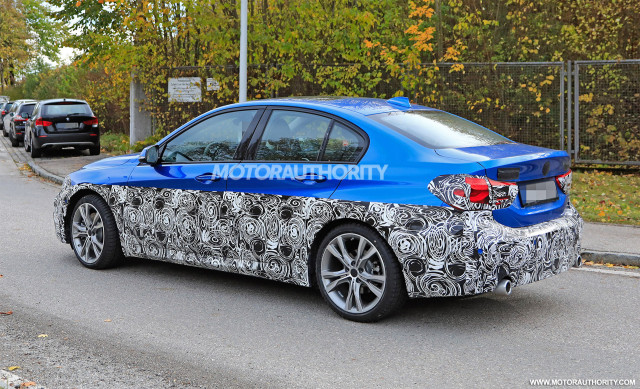 2016 - [BMW] Série 1 Sedan [F52] - Page 9 2020-bmw-1-series-facelift-spy-shots--image-via-s-baldauf-sb-medien_100678072_m