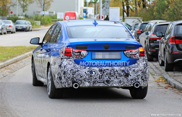 2016 - [BMW] Série 1 Sedan [F52] - Page 9 2020-bmw-1-series-facelift-spy-shots--image-via-s-baldauf-sb-medien_100678074_m