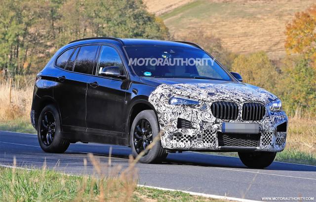 2020 BMW X1 facelift spy shots - Image via S. Baldauf/SB-Medien
