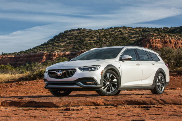 Buick Regal ends, 2020 Mercedes GLB review, EVs we're missing: What's New @ The Car Connection