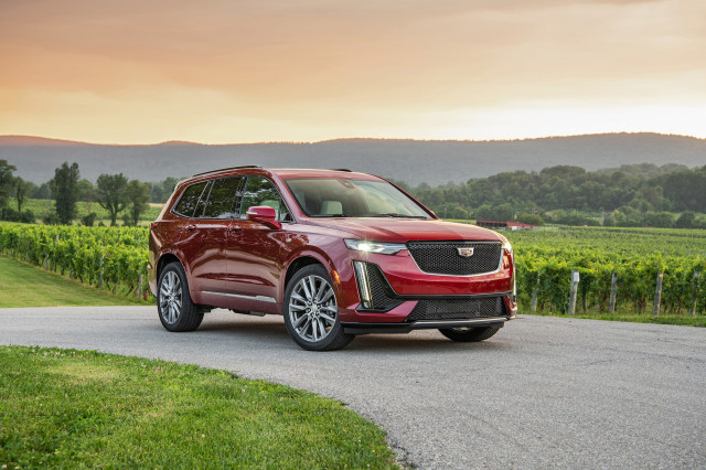 The 2020 Cadillac XT6 settles for second best