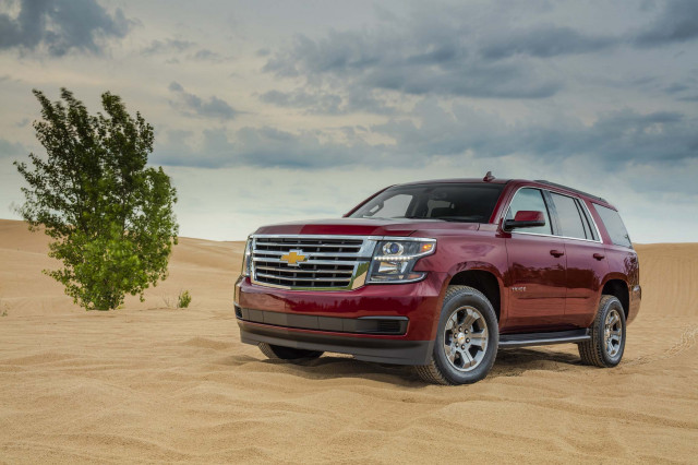 2020 Chevrolet Tahoe (Chevy) Review, Ratings, Specs ...