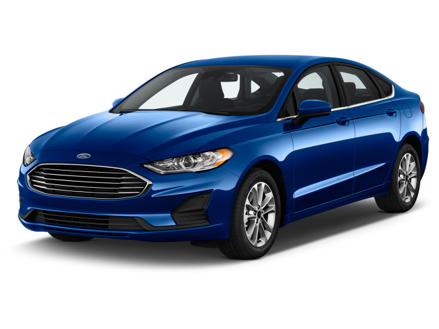2020 Ford Fusion SE FWD Angular Front Exterior View