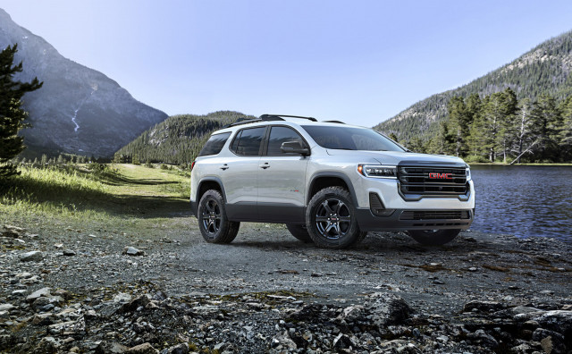 2020 GMC Acadia adds new turbo-4, AT4 to crossover's repertoire and starts at $30,995