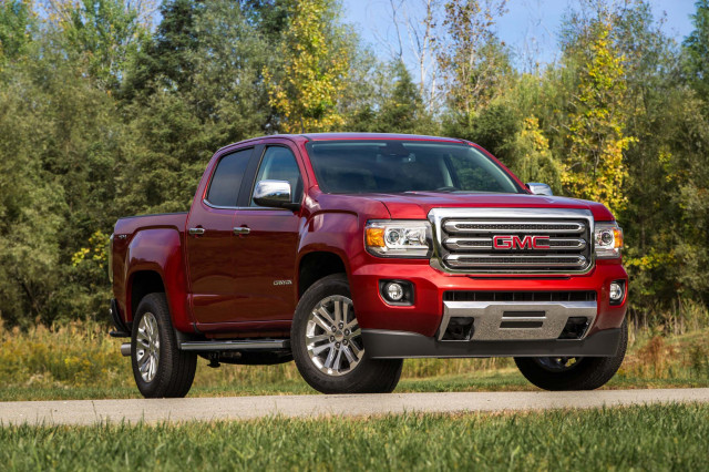 Canyon Vs Colorado >> 2020 Chevrolet Colorado Vs 2020 Gmc Canyon The Car Connection