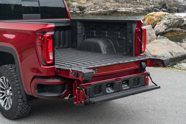 Best truck tailgates compared, 2021 Camaro preview, Magna EV boosts I-Pace: What's New @ The Car Connection