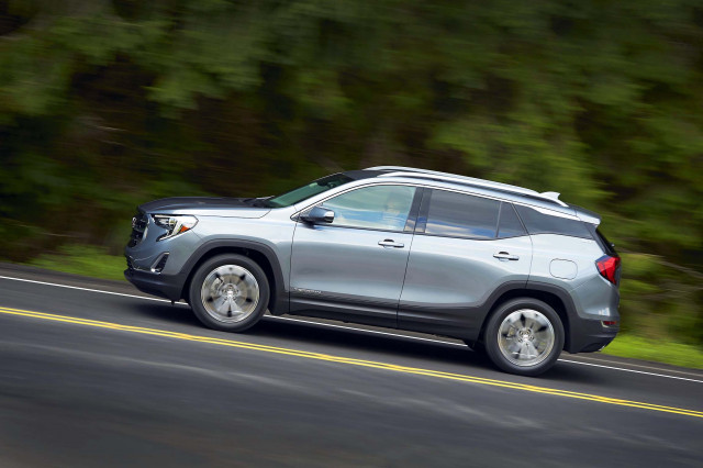 2020 GMC Terrain adds automatic braking, active lane control