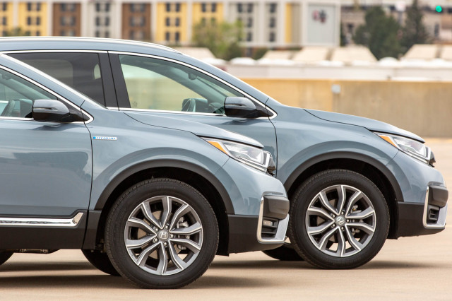 2020 Honda CR-V Hybrid compared, Maybach S-Class special, million-mile battery reality: What's New @ The Car Connection
