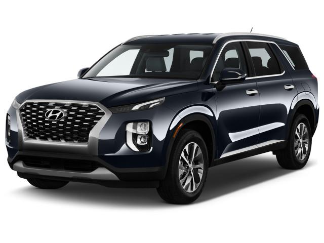 2020 Hyundai Palisade SEL FWD Angular Front Exterior View