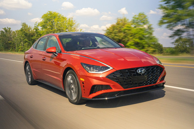 2020 Hyundai Sonata Hybrid is a 54-mpg green-tech highway machine