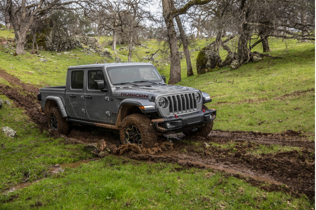 First drive review: 2020 Jeep Gladiator truck tackles off-road terrain that competitors can't