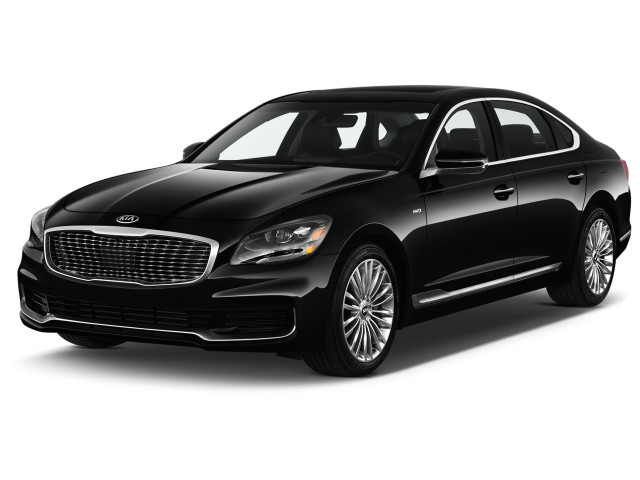 2020 Kia K900 V6 Luxury Angular Front Exterior View