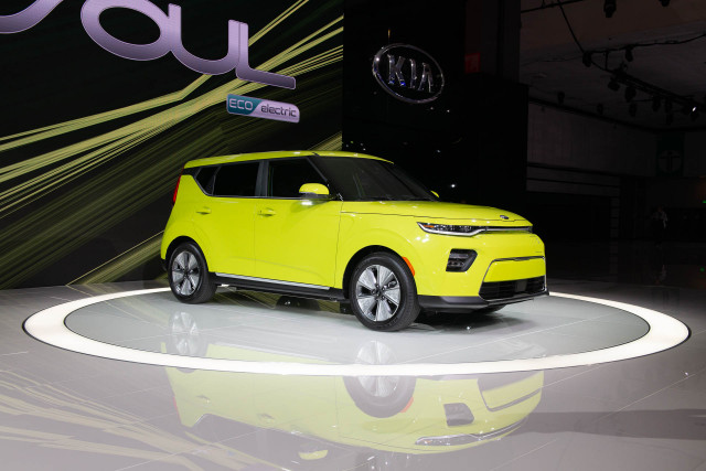 2020 kia soul ev has more punch  faster charging  and a lot more battery