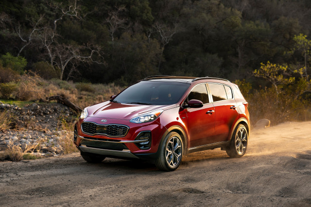 2020 Kia Sportage mpg, Dodge Charger Widebody, Tesla service: What's New @ The Car Connection
