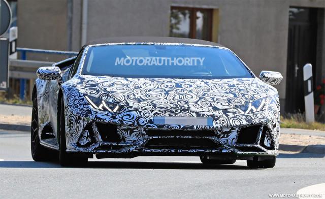 2020 Lamborghini Huracán Spyder facelift spy shots - Image via S. Baldauf/SB-Medien