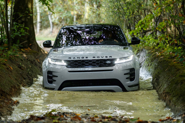 Range Rover's Compact Evoke SUV Gets a Makeover (With Eco-Friendly Options)