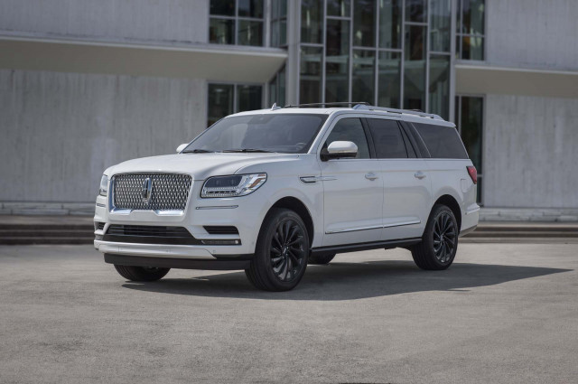 Review update: The 2020 Lincoln Navigator reserves its best for the highway