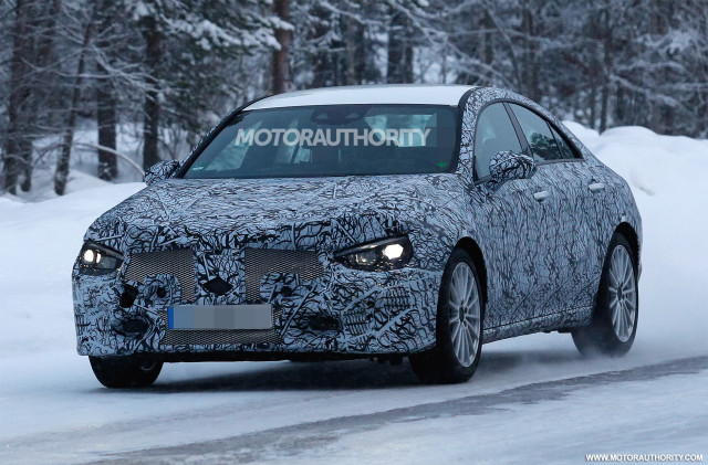 New Mercedes Cla Gla Due Late This Year With Apple Like Mbux And