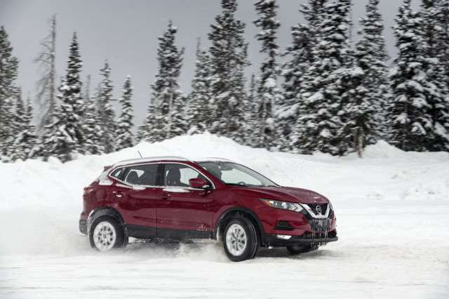 2020 Nissan Rogue Sport kicks up snow at the Winter Driving Encounter in Winter Park, CO.
