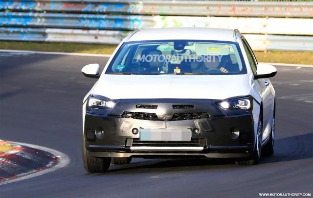 2020 Opel Insignia Sports Tourer facelift spy shots - Image via S. Baldauf/SB-Medien