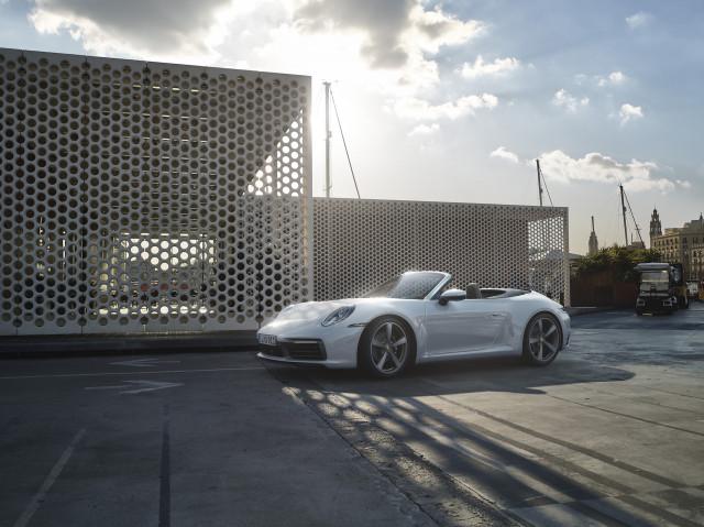2020 Porsche 911 Carrera 4 and Carrera 4 Cabriolet